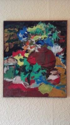 kompozycja z palmą z bukietem róż